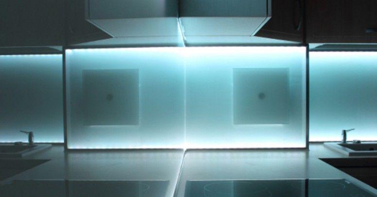 Oświetlenie Pod Szafkami Kuchennymi Led Czy Halogen