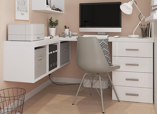 Biuro z produktami Atomia i Alara