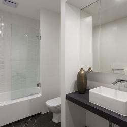 dobór materiałów w łazience