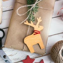 pomysł na świąteczne opakowanie prezentu