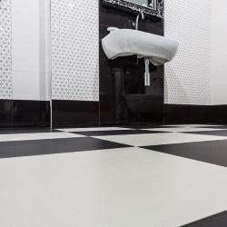 Biało - czarna łazienka - elegancka i nowoczesna