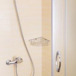 Koszyk zawieszany pod prysznic