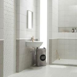 Mozaika femme w łazience