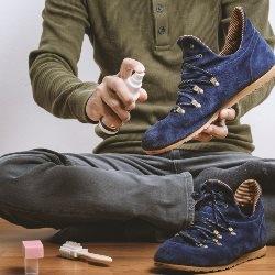 143a8403 może być także materiał z jakiego wykonane są buty – sztuczne tworzywa  często nie przepuszczają powietrza, a więc nie zapewniają odpowiedniej  wentylacji.