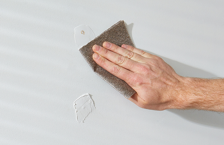 szlifowanie ścian przed malowaniem