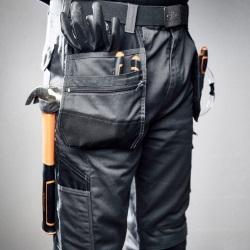Profesjonalne spodnie robocze z praktycznymi kieszeniami