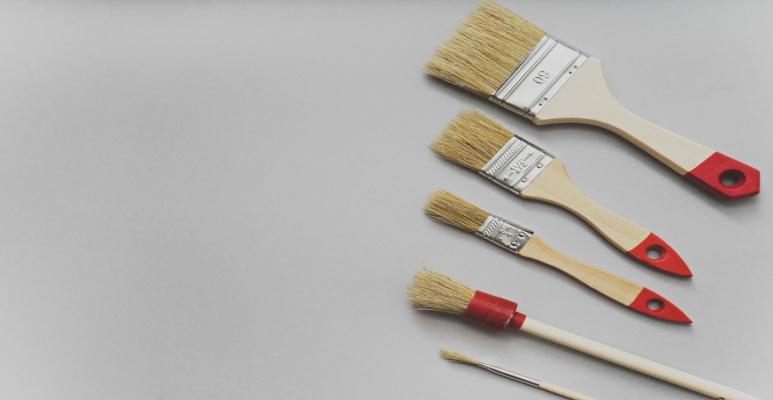 narzędzia do malowania mebli kuchennych - pędzle do malowania