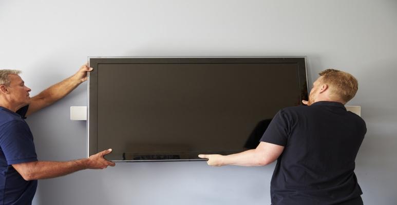 montaż telewizora na ścianie kartonowo-gipsowej