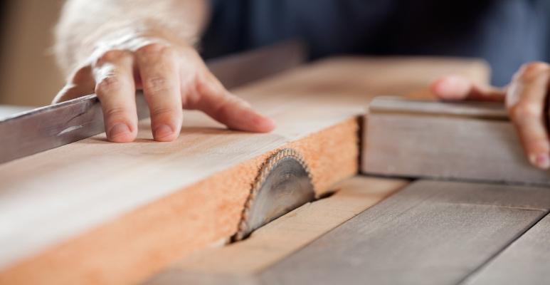 czym wygładzić drewno