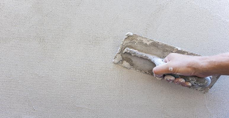 jak naprawić pękniętą ścianę