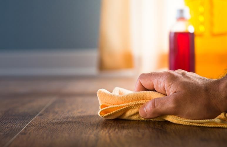 pielęgnacja podłogi olejowanej