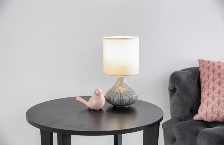lampa dająca dużo światła