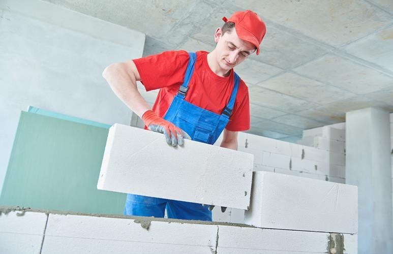 jak murować ściany z betonu komórkowego