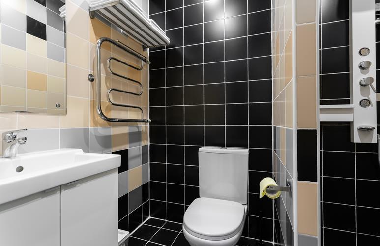 jak urządzić małą toaletę w bloku