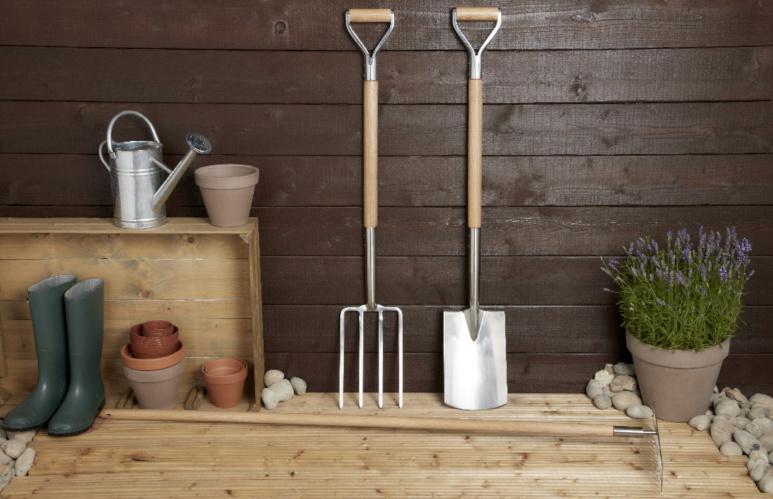 narzędzia ręczne do spulchniania gleby