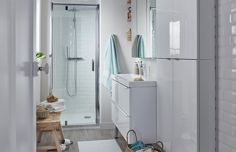 Drzwi prysznicowe wahadłowe