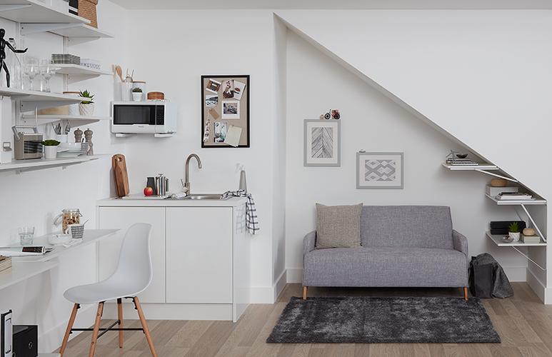 Jak powiesić półkę na ścianie