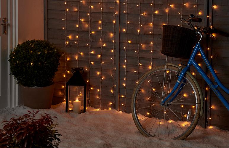 Kurtyna 240 LED barwa ciepła biała