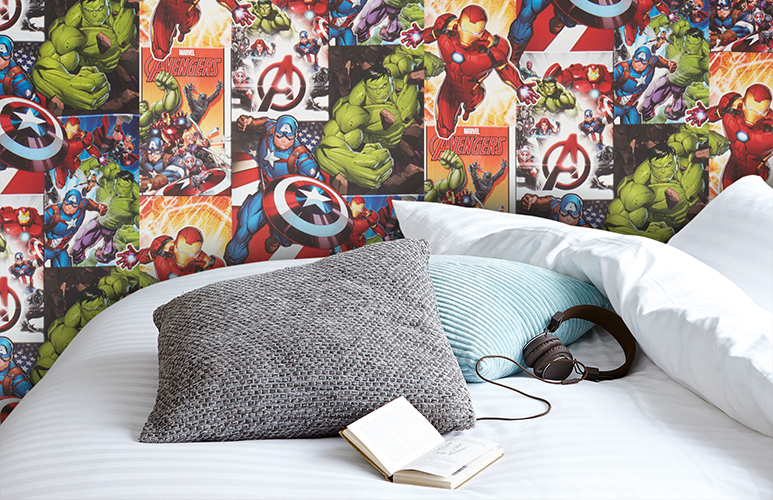 Tapeta flizelinowa GoodHome Marvel Heima multikolor