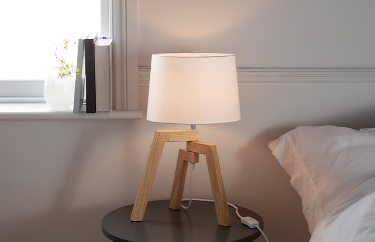 Lampa stołowa GoodHome Trianoy 1-punktowa E14 biała / drewno