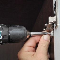 montaż drzwi stalowych