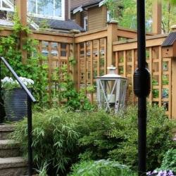 drewniane ogrodzenie ażurowe
