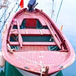 różowa łódka