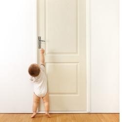 drzwi w pokoju dziecka
