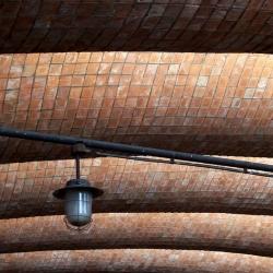 ceglany strop, piwnica