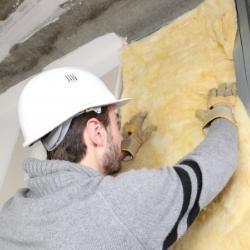 zakładanie otuliny technicznej w czasie budowy
