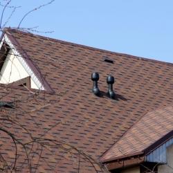 brązowy dach