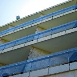 barierki na balkonach budeynek mieszkalny