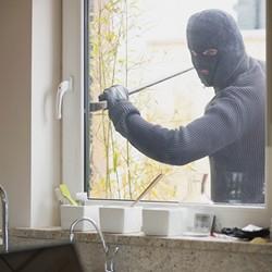 bezpieczne zamki okienne
