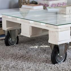 stolik z palet na kółkach