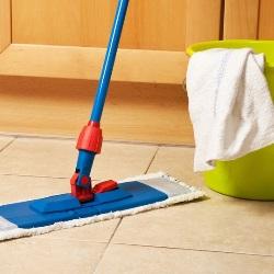 jak myć podłogę