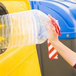 segregowanie śmieci, plastik, kosz na śmieci