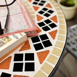 stolik tarasowy z mozaiką