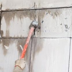 rozbiórka ściany