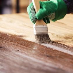 bejcowanie desek drewnianych