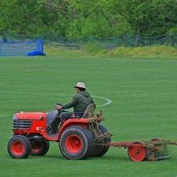napowietrzanie ziemi traktorkiem