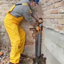 naprawa rury kanalizacyjnej