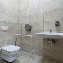 Łazienka w szarym odcieniu