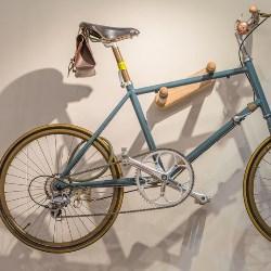 Rower na ścianie
