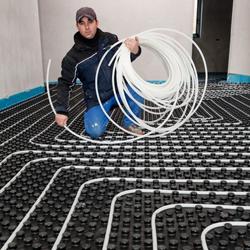montaż ogrzewanie wodne, rury wielowarstwowe