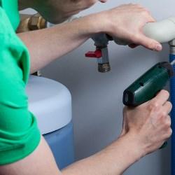 montaż zmiękczacza wody