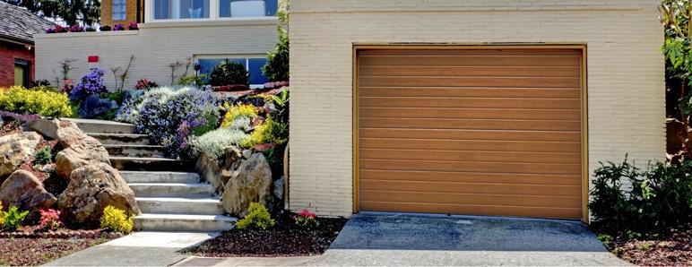 Brama garażowa segmentowa Splendoor 2500 x 2150 mm z napędem złoty dąb