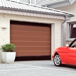 Brama garażowa segmentowa 2500 x 2125 mm brąz L z napędem Isomatic