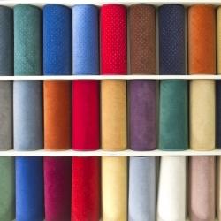 różne kolory dywanów