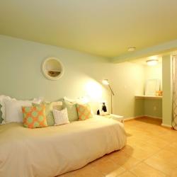 sypialnia z plafonami