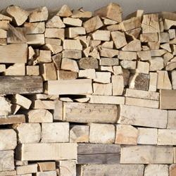 układanie drewna